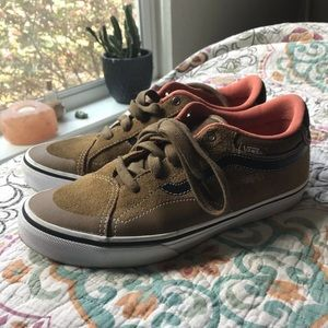 Vans Classic lace up AntiHero size 6 brown leather
